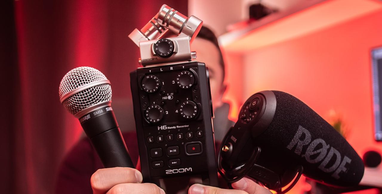 Best microphones for an outdoor radio interview