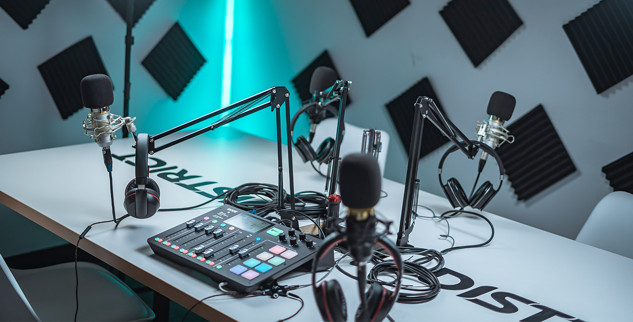 Live Radio and Podcasts: what's the difference?